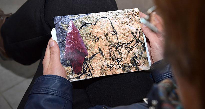 Воспользовавшись сенсорным киоском, гости музея могут самостоятельно изготовить памятную открытку с видами музея или фотографиями понравившихся экспонатов