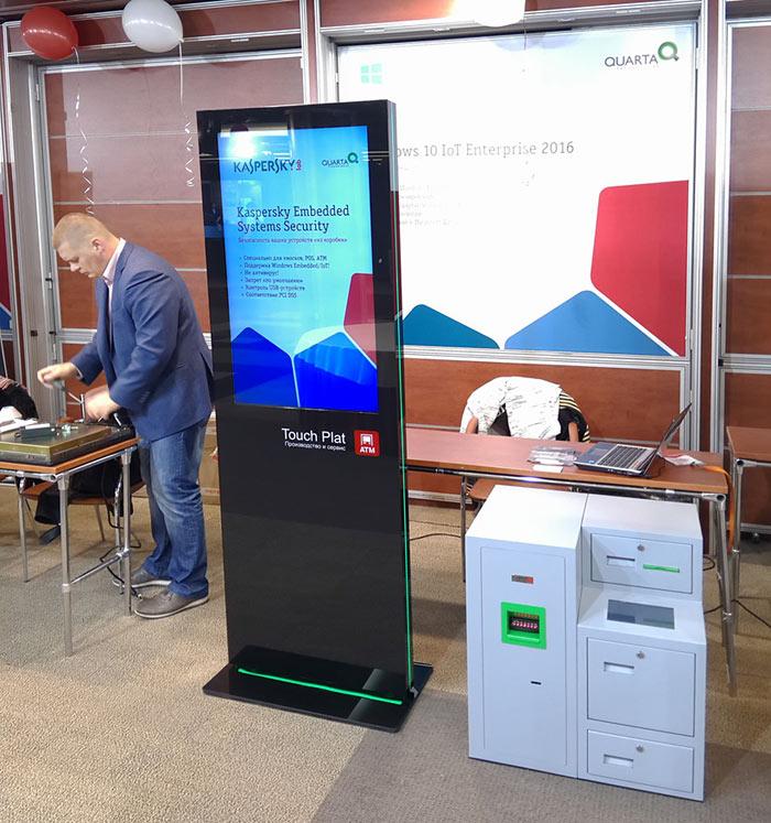 Депозитные машины и киоск Digital Signage TouchPlat