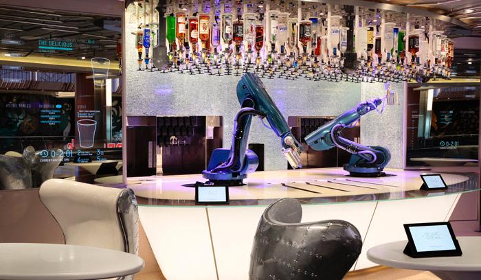 Некоторые заведения уже переходят к роботизированным барам