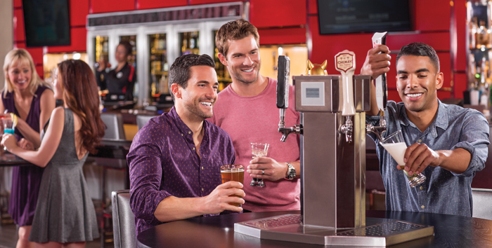 Системы самообслуживания для автоматизации продажи напитков использовались в барах и раньше