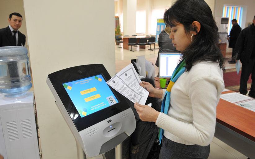 Правительство для граждан возьмет платежные терминалы в аренду