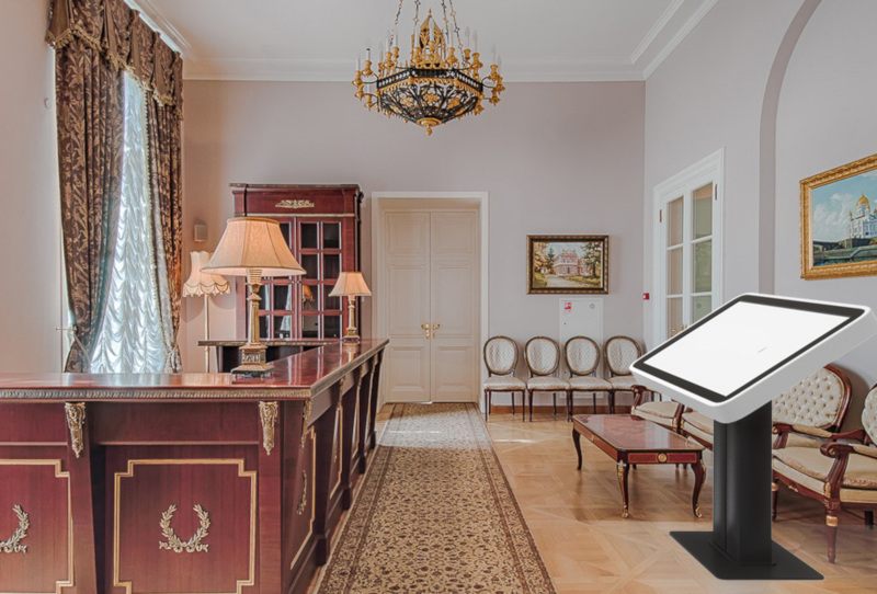 Интерактивный стол в интерьере