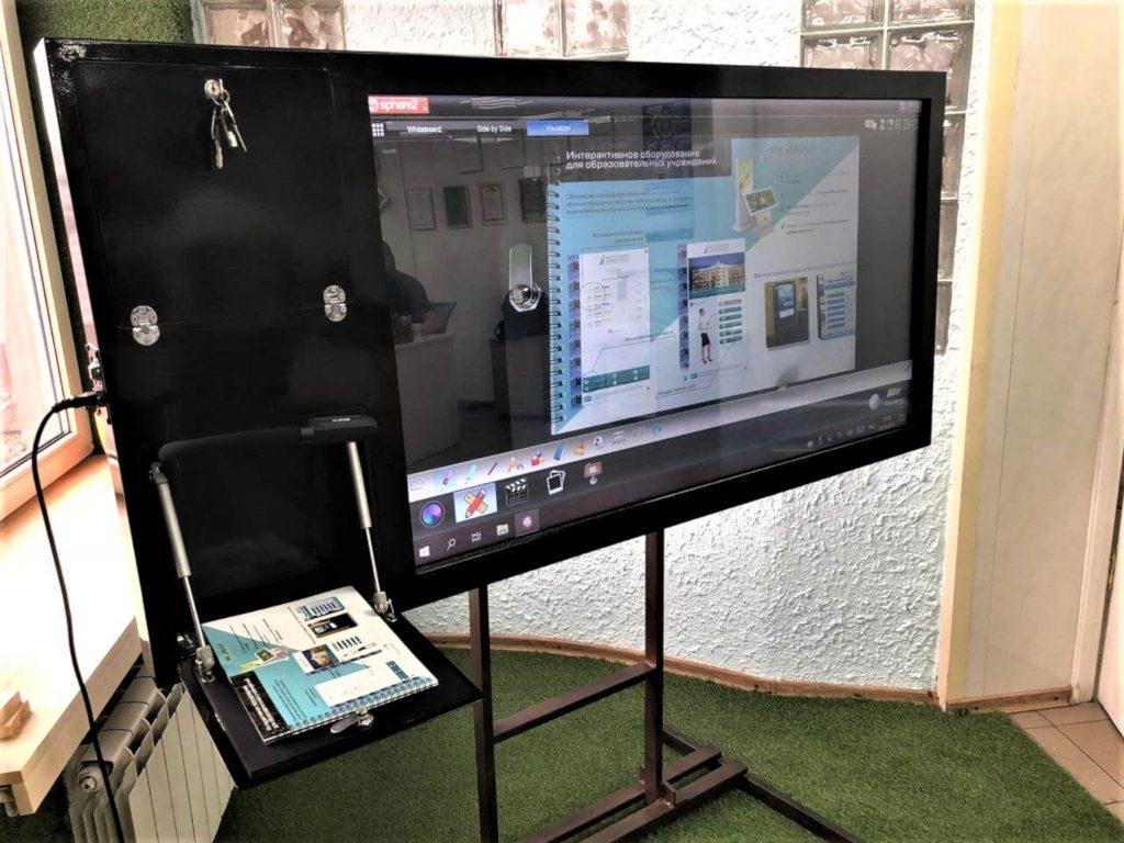 Интерактивная панель с документ-камерой