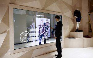 Сеть «Дочки-сыночки» оснастит свои магазины электронными продавцами