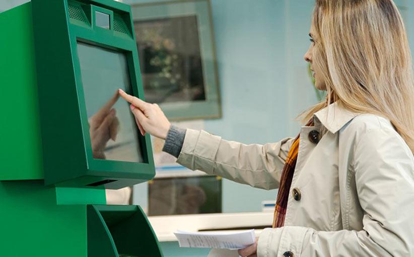 Крупные банки начали модернизировать устройства самообслуживания