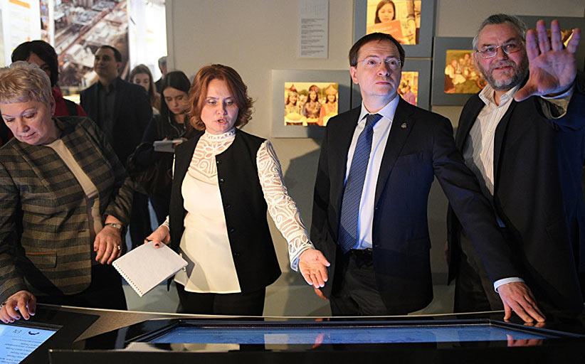 Сенсорные киоски - в интерактивном проекте «Россия. XXI век: вызовы времени и приоритеты развития»