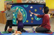 Власти Москвы закупят интерактивные столы и киоски для образовательных центров