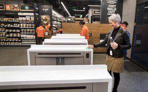 Автоматический магазин Amazon Go открылся в Сиэтле