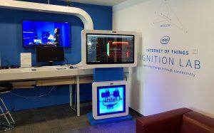 TouchPlat разработала для Intel необычный интерактивный терминал, управляемый жестами