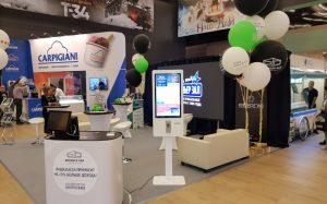TouchPlat продемонстрировала автоматы по продаже билетов на «Кино Экспо»