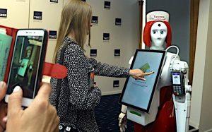 Самодвижущиеся электронные кассиры заменят киоски самообслуживания и платежные терминалы