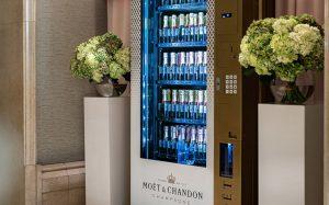 Вендинговые автоматы для продажи шампанского в отелях Ritz-Carlton