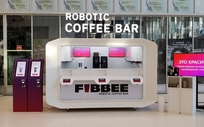 Платежные терминалы TouchPlat принимают заказы в роботизированном кафе в Сколково