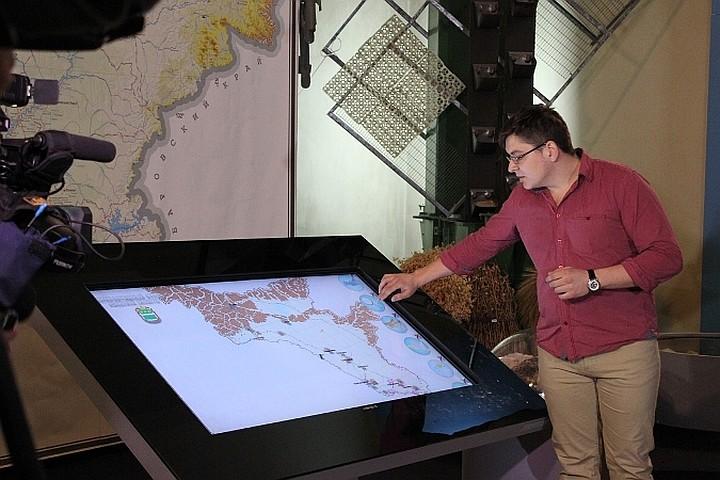 Интерактивный стол и «живые» видеоэтикетки - в Амурском краеведческом музее