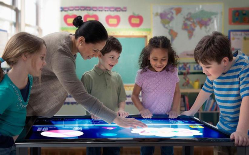 Интерактивный стол для детей - обучение в игровой форме