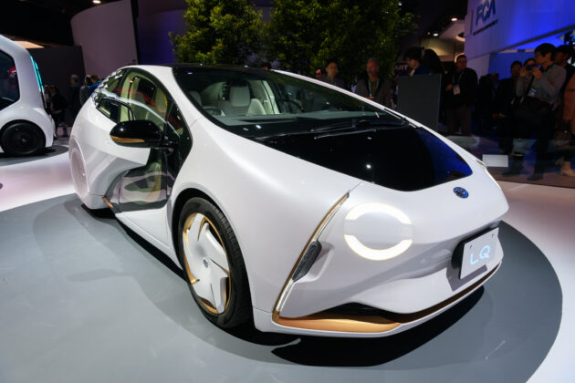 Полуавтоматический авто Toyota LQ